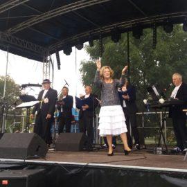 """Zespół """"CAMERTON"""" dał koncert dla uczestników zabawy z okazji III Święta Lata"""
